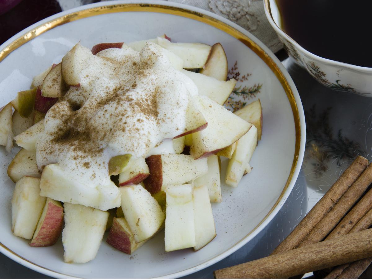 Apple and Vanilla-Cinnamon Yogurt Snack  Healthy Recipe