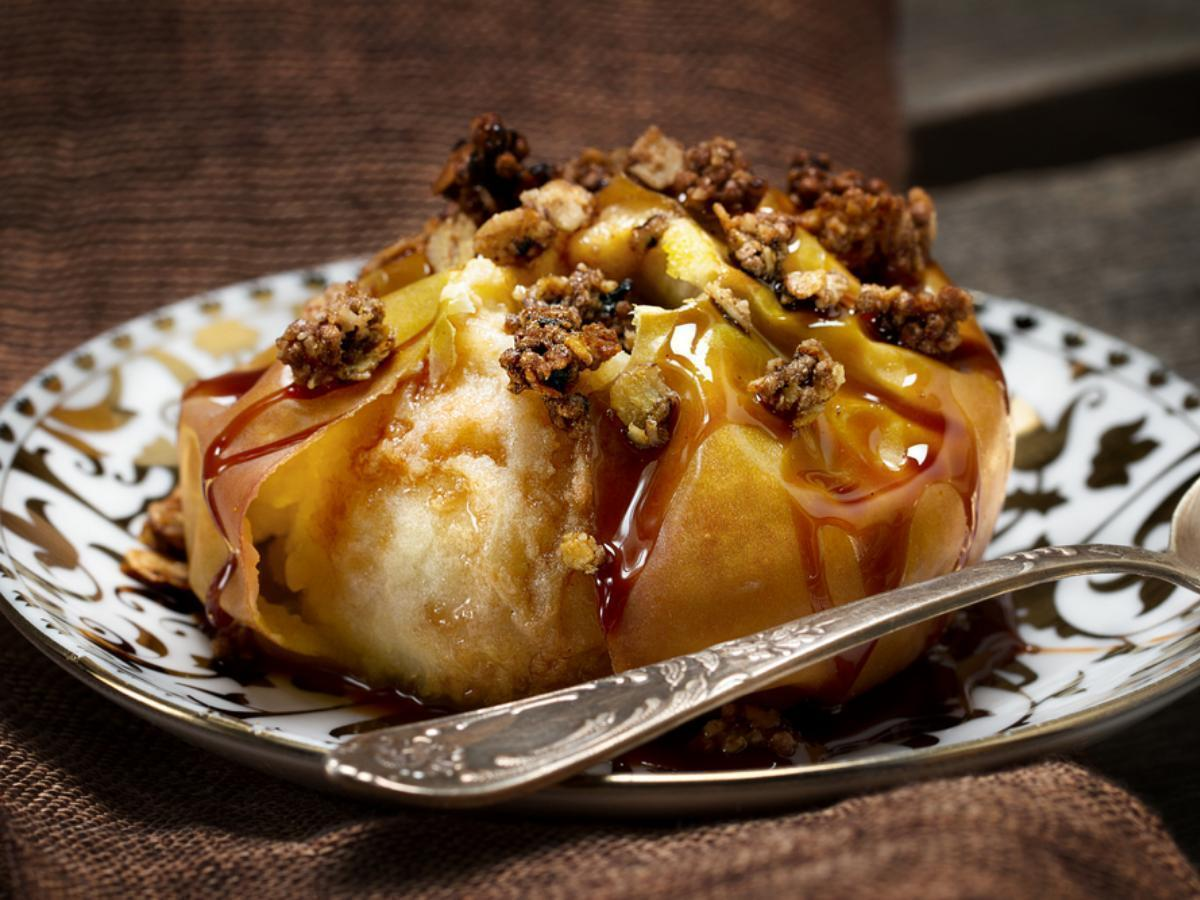 Baked Apples with Maple Syrup and Granola Healthy Recipe