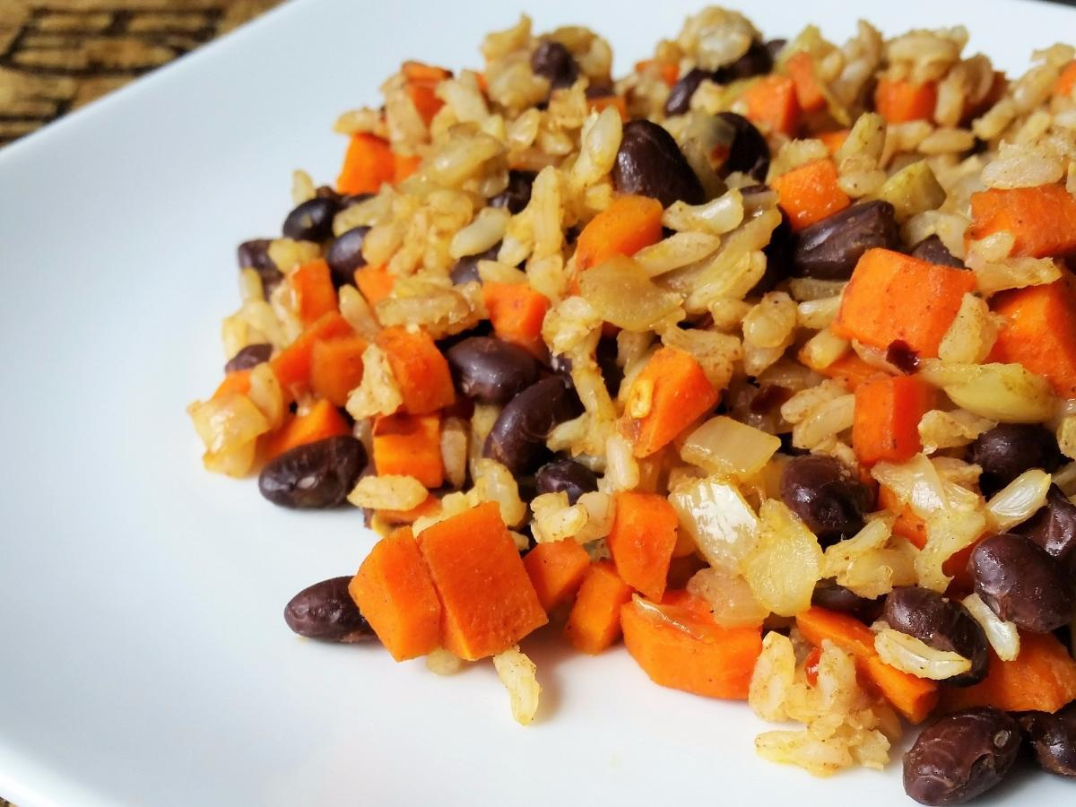 Black Beans, Carrots, and Rice Healthy Recipe
