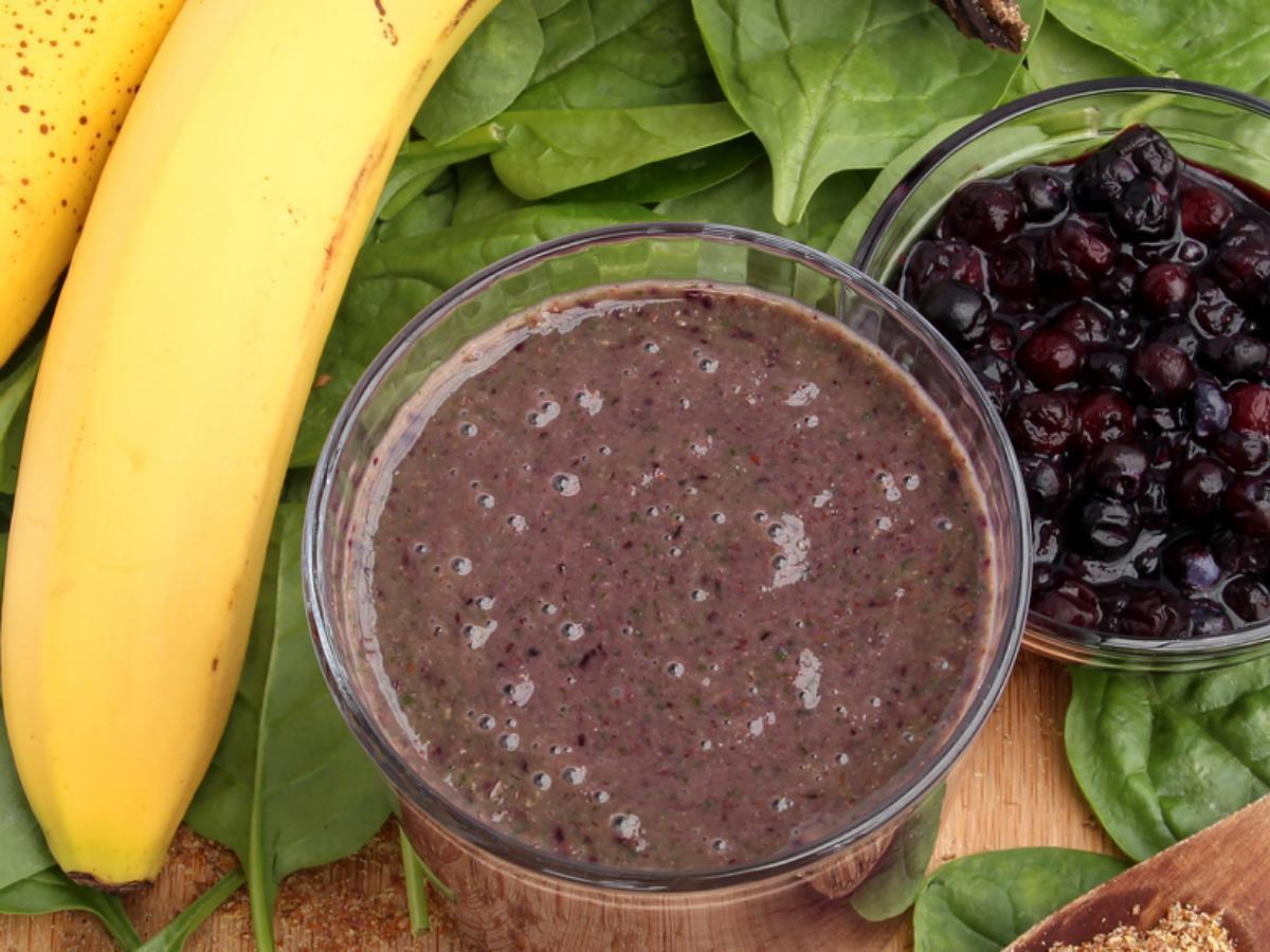 Breakfast Fruit, Spinach and Oats Shake Healthy Recipe