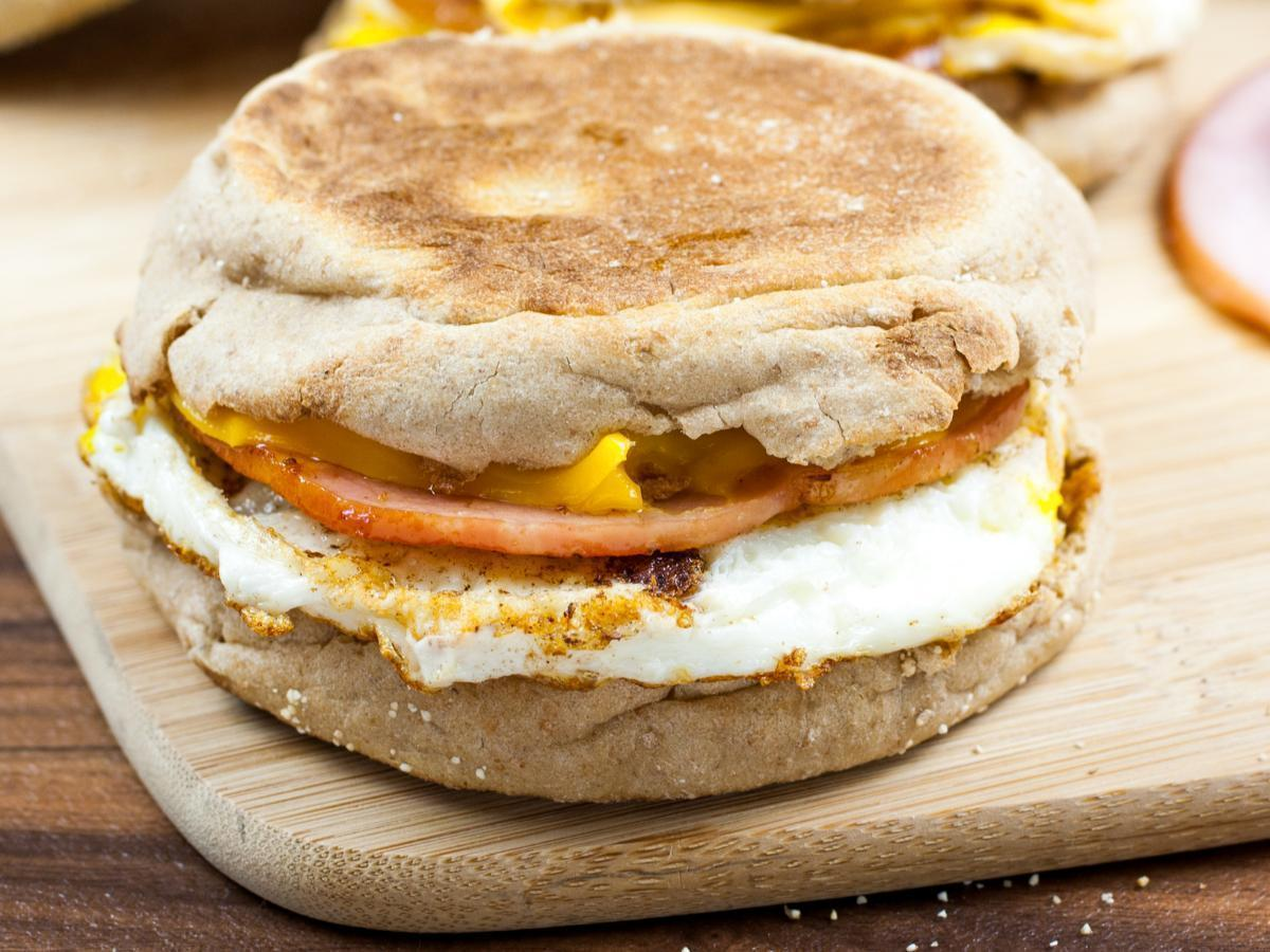 Breakfast Sandwich with Egg, Cheese, and Ham Healthy Recipe