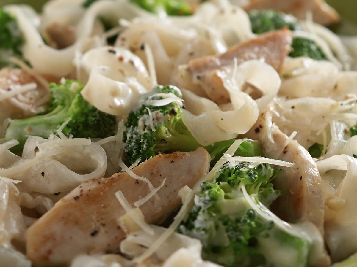 Chicken Broccoli Fettuccine Alfredo Healthy Recipe