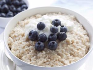 Cinnamon Porridge with Blueberries and Greek Yogurt Healthy Recipe