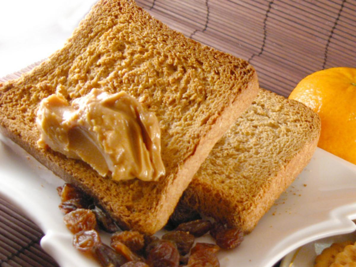 Cinnamon-Raisin Peanut Butter Sandwich Healthy Recipe