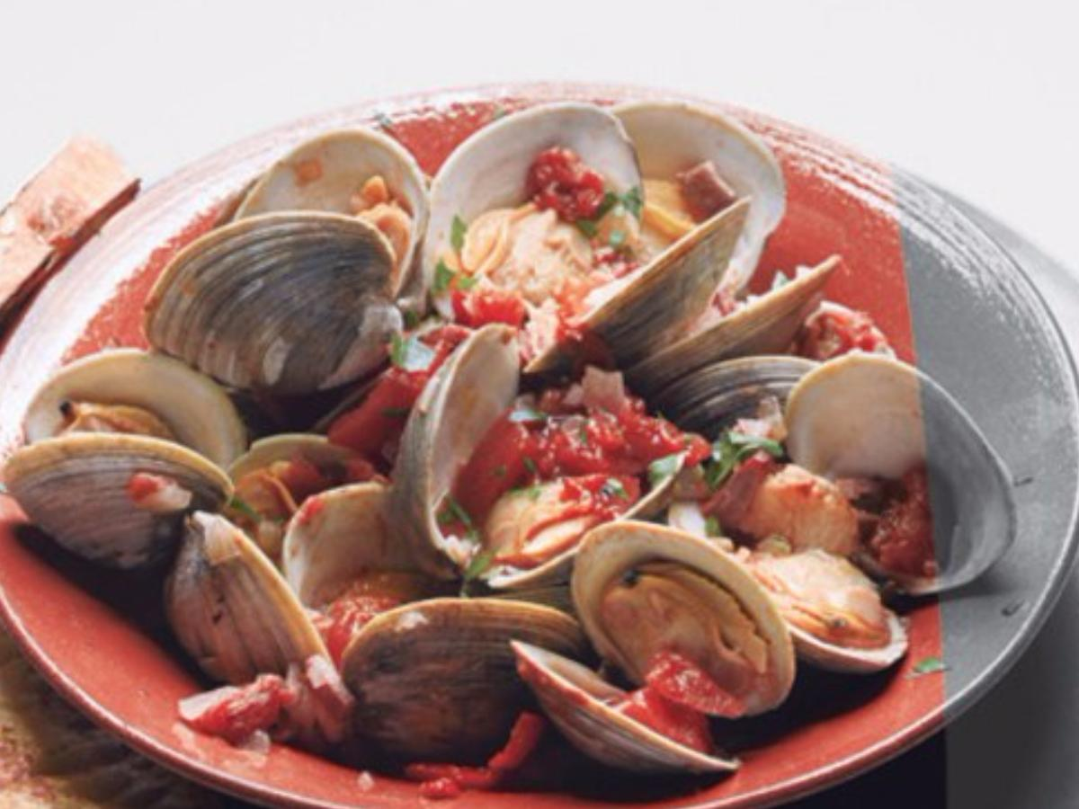 Clams with Smoky Bacon and Tomatoes Healthy Recipe