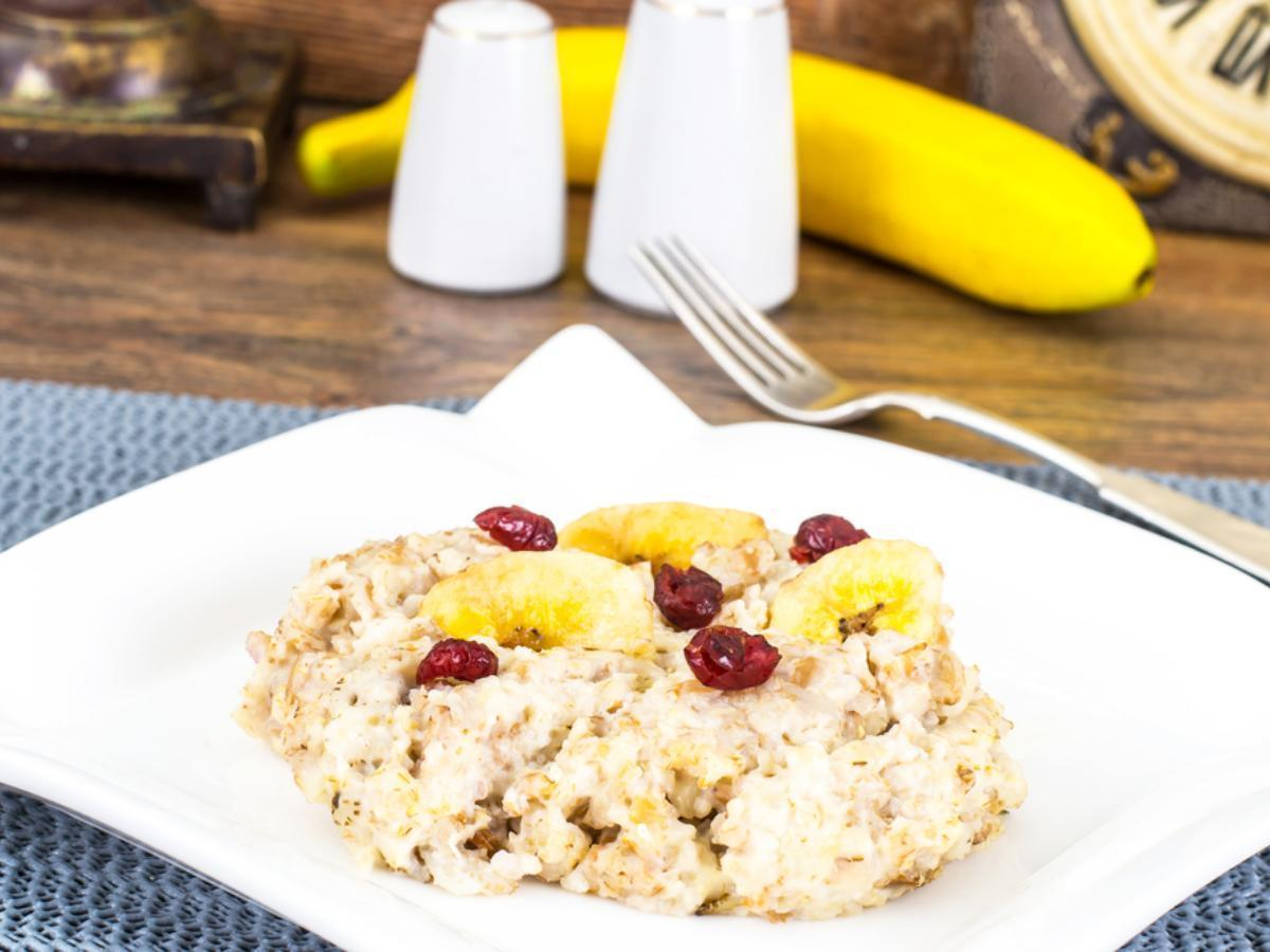 Cranberry-Banana Oatmeal Healthy Recipe
