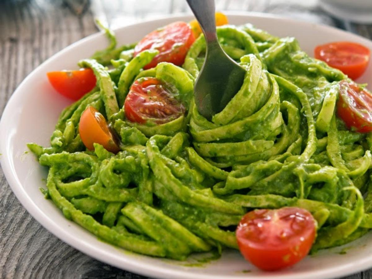 Creamy Avocado-Spinach Pesto Zoodles Healthy Recipe