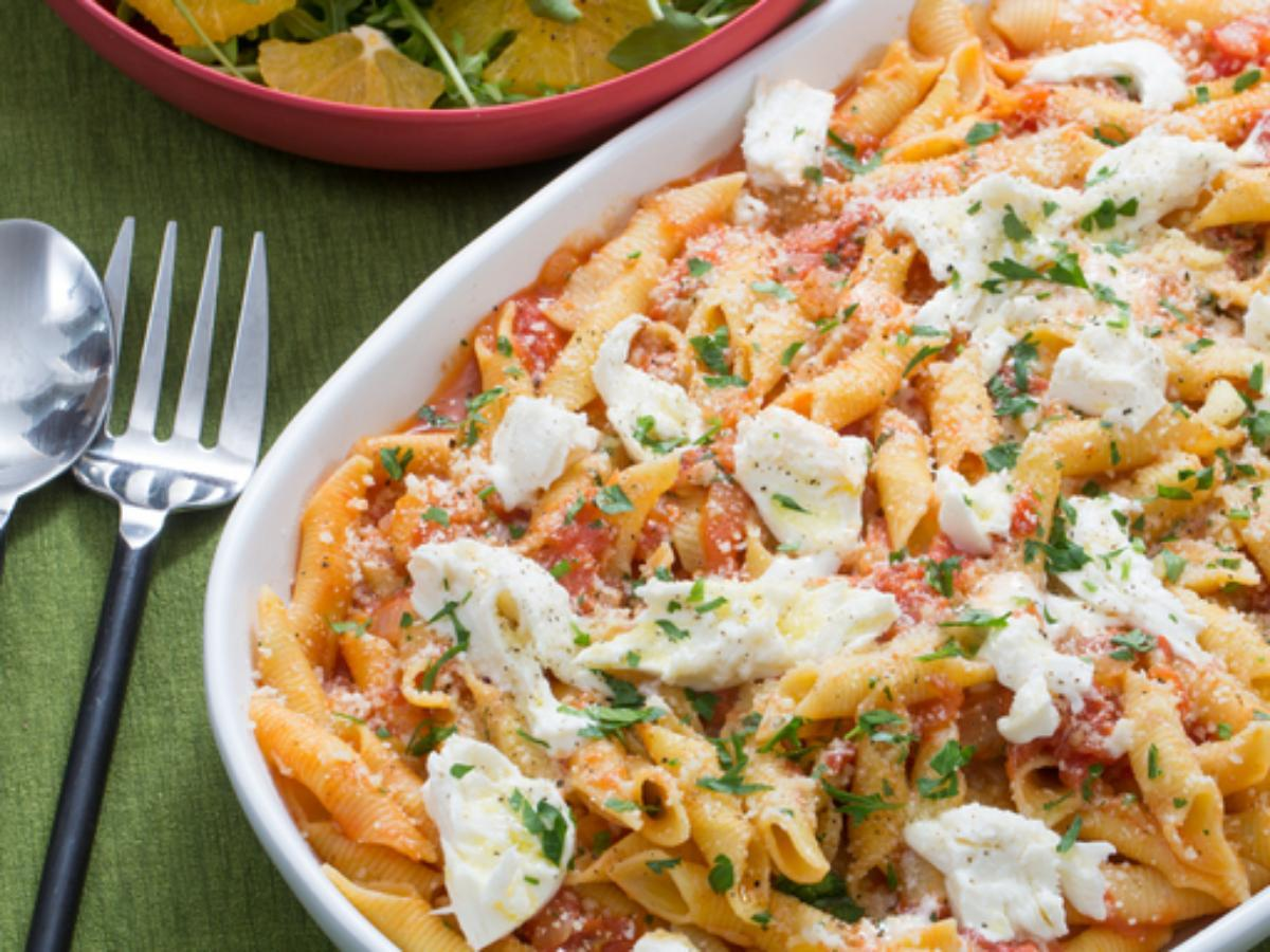 Garganelli Pasta and Tomato Sauce with Fresh Mozzarella and Arugula-Orange Salad Healthy Recipe