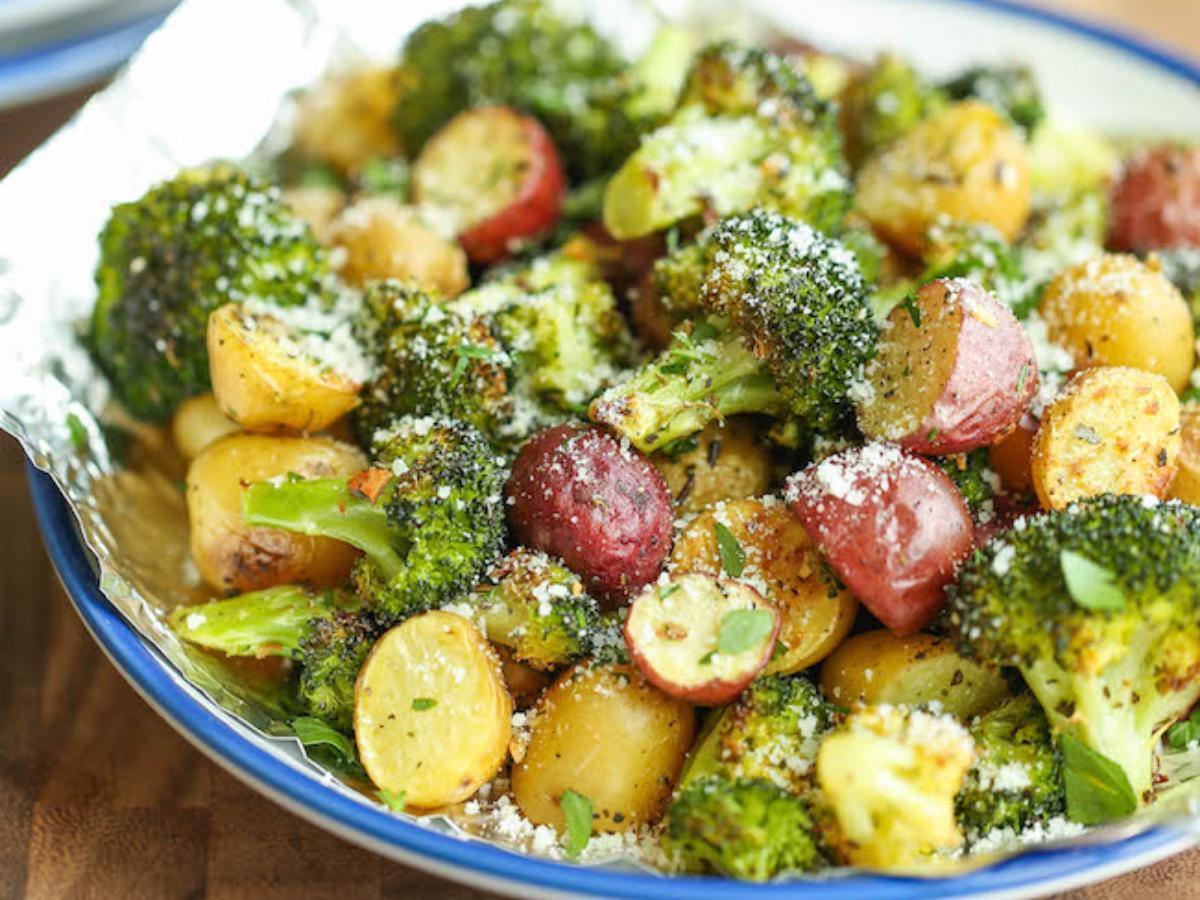 Garlic Parmesan Broccoli and Potatoes in Foil Healthy Recipe