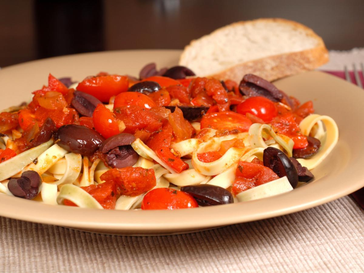 Linguine with Red Bell Peppers and Kalamata Olives Healthy Recipe