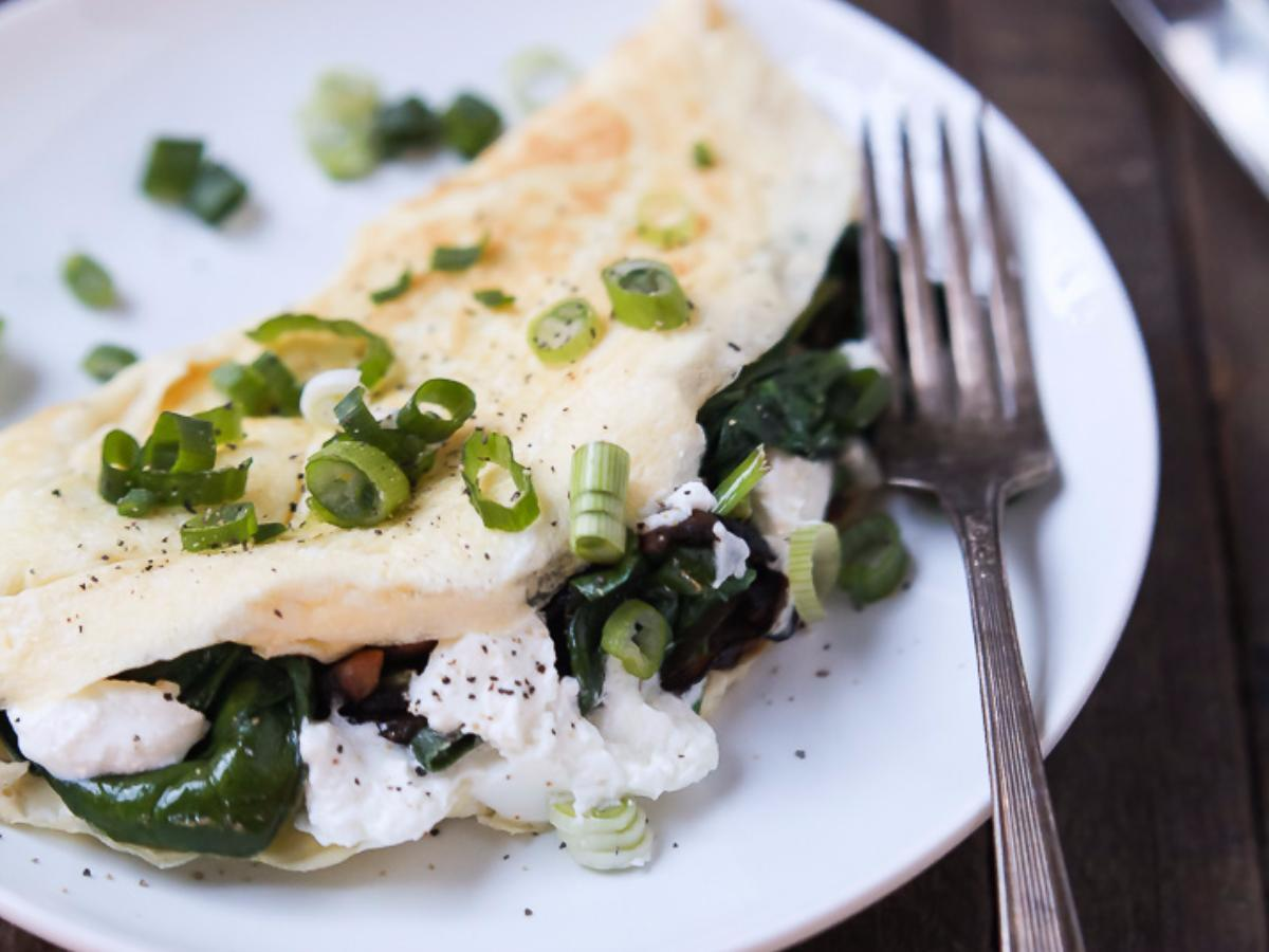 Mushroom, Spinach, and Goat Cheese Omelet Healthy Recipe
