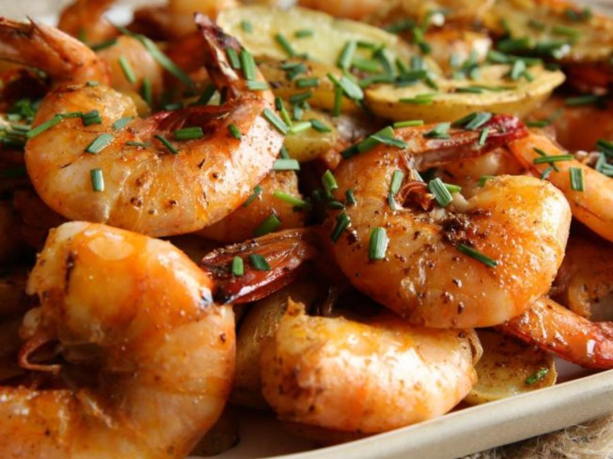 Old Bay Peel-and-Eat Shrimp with Roasted Fingerling Potatoes Healthy Recipe