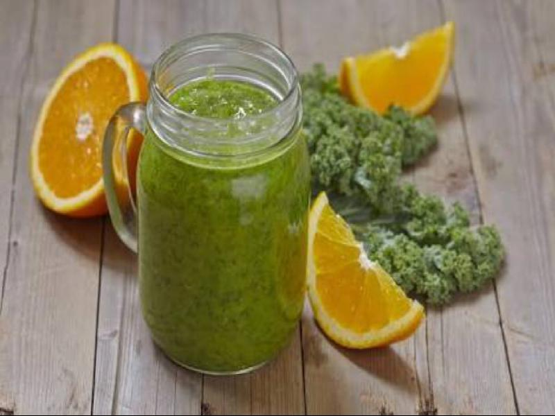 Orange, Banana, and Kale Smoothie Healthy Recipe