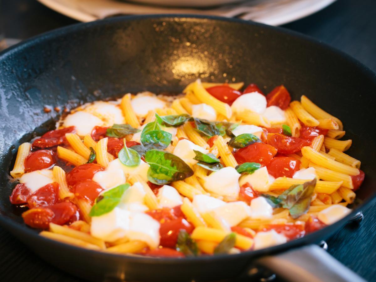 Pasta with Tomatoes and Mozzarella Healthy Recipe
