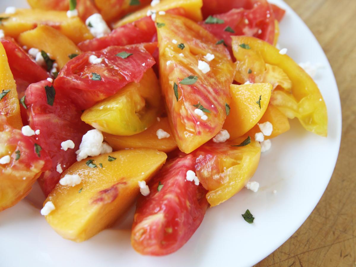 Peach and Tomato Salad Healthy Recipe