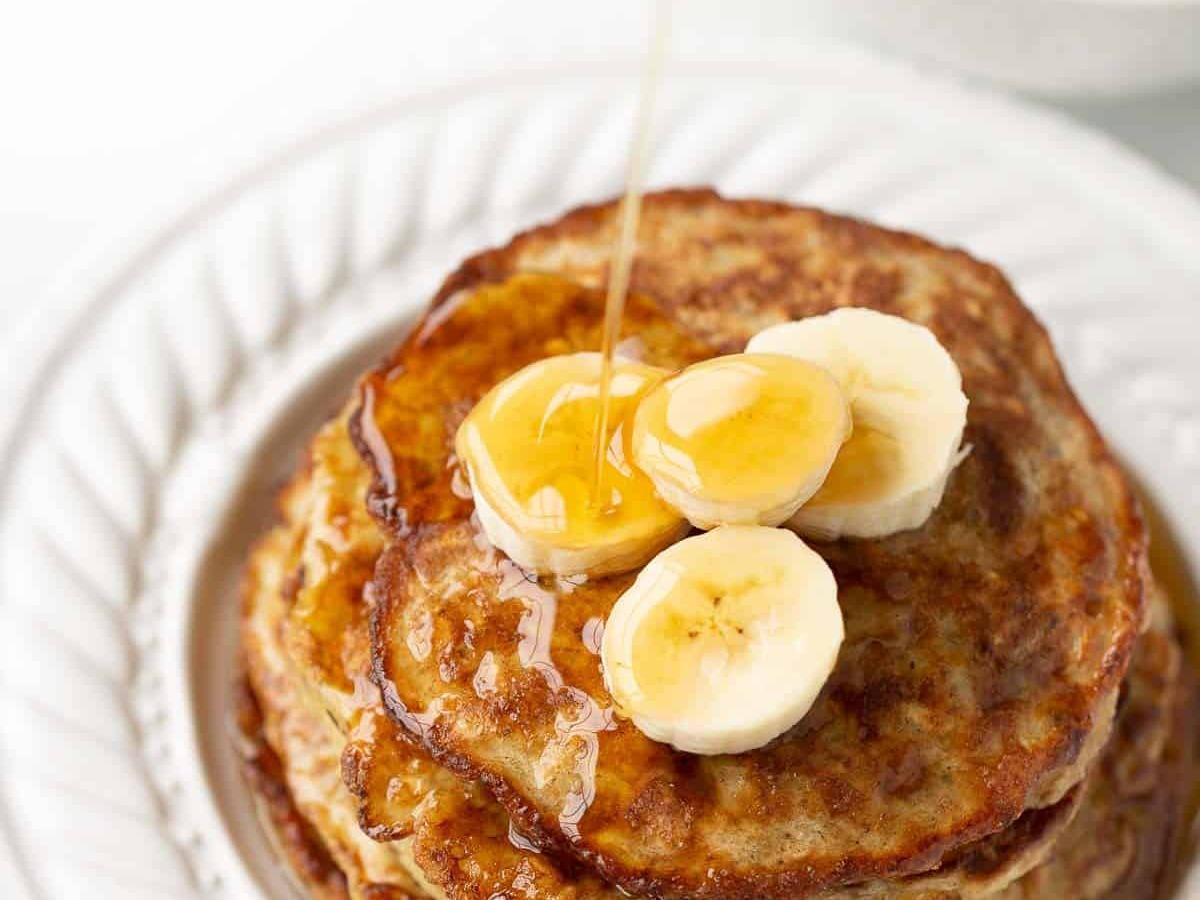 Peanut Butter, Banana, and Oatmeal Pancakes Healthy Recipe