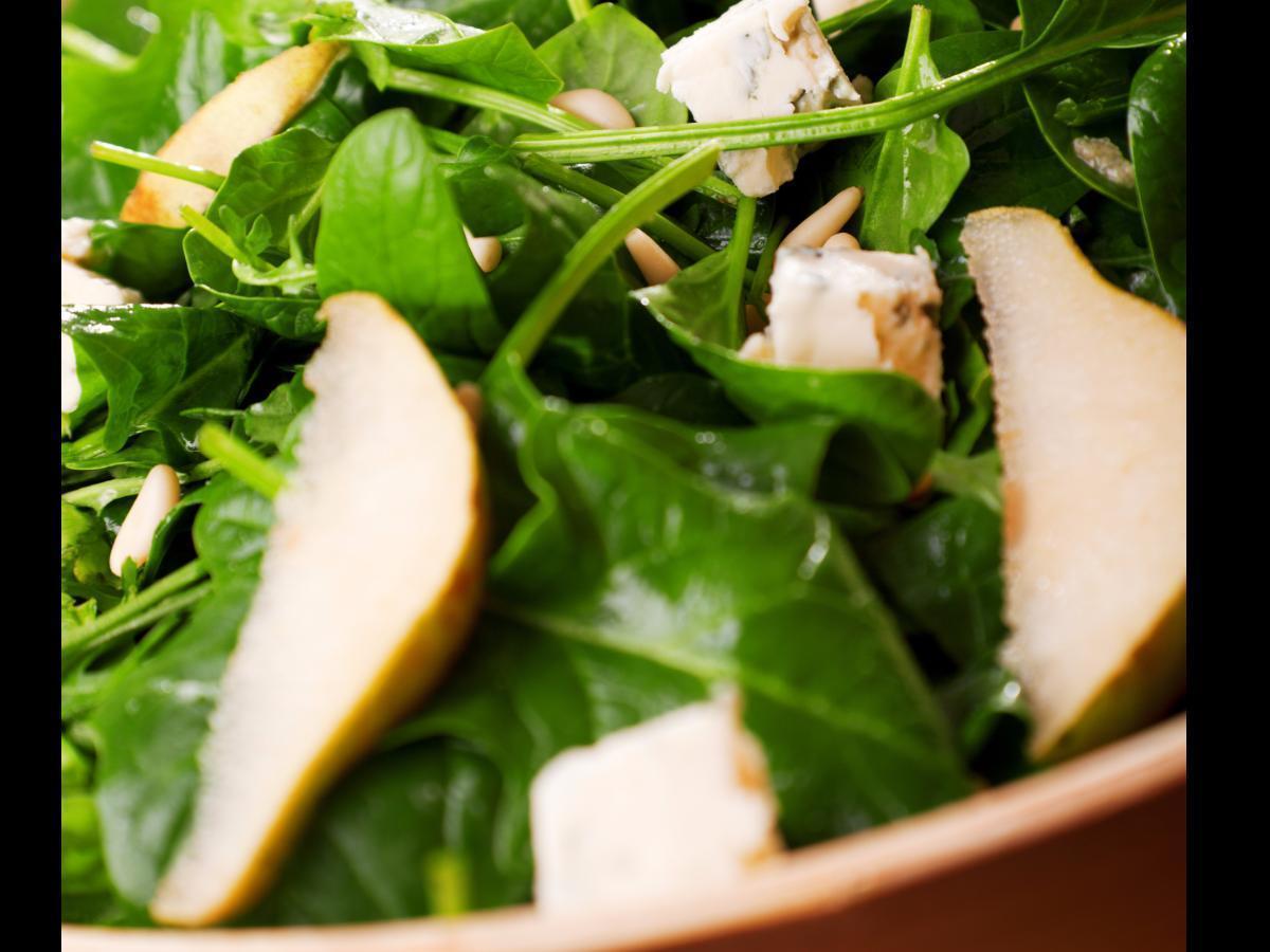 Pear, Gorgonzola, and Pecan Salad Healthy Recipe