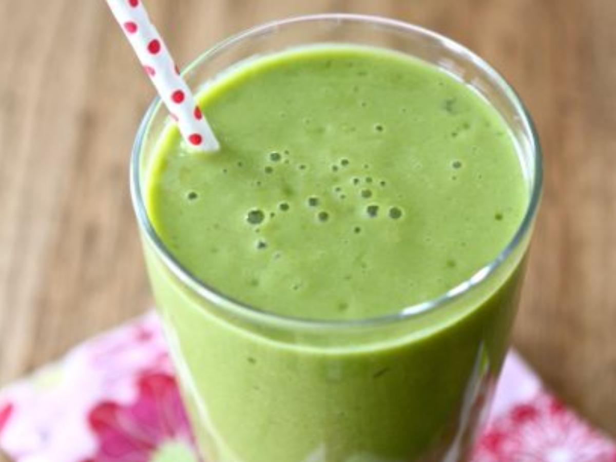 Pineapple, Mango, and Spinach Smoothie Healthy Recipe