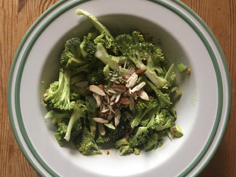 Raw Broccoli Salad Healthy Recipe