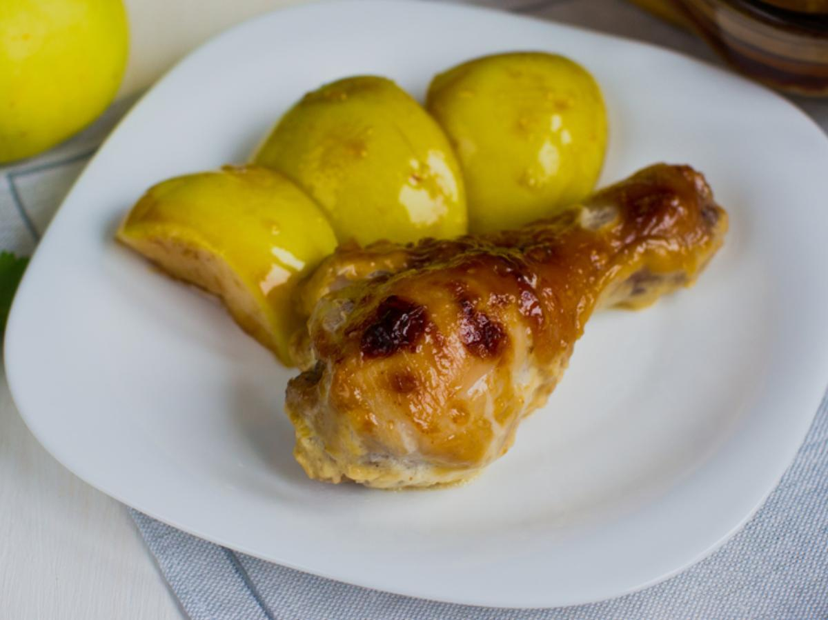 Roasted chicken legs with apples Healthy Recipe