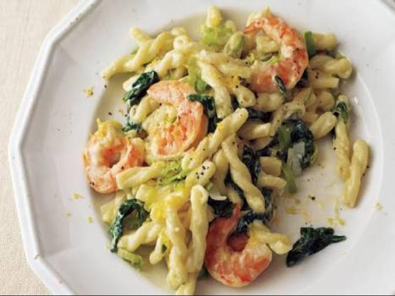 Shrimp, Leek, and Spinach Pasta Healthy Recipe
