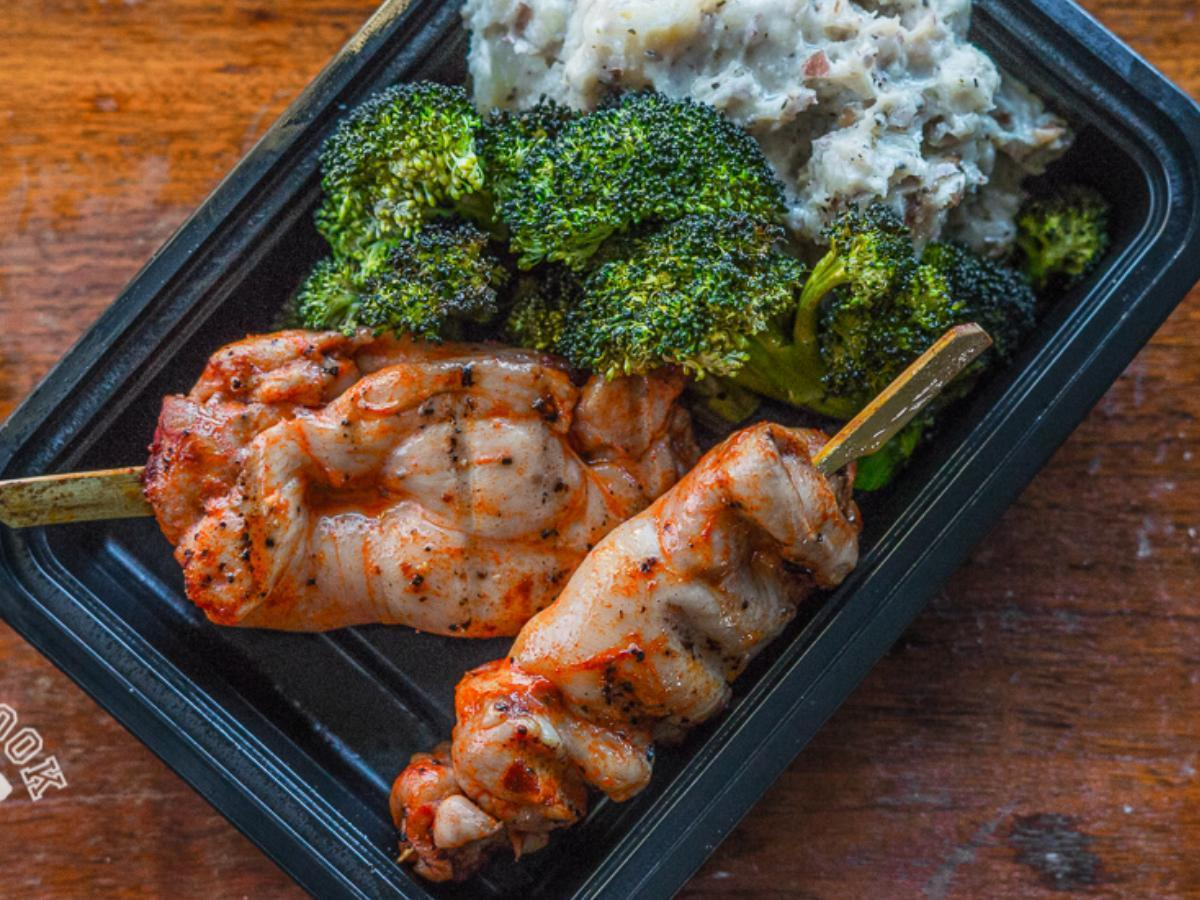 Southwest Grilled Chicken Thighs, Whipped Red Potato Mash, and Broccoli Healthy Recipe