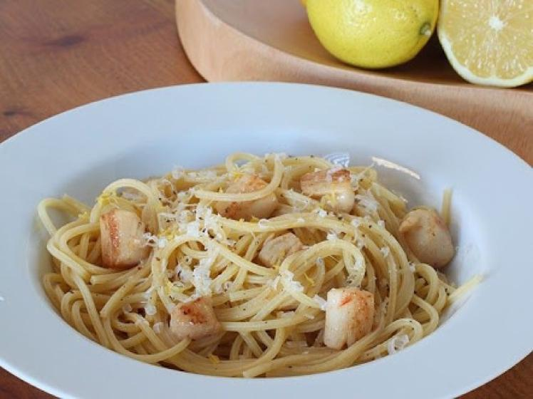 Spaghetti with Bay Scallops and Lemon Healthy Recipe