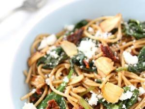 Spaghetti with Sun Dried Tomatoes & Spinach Healthy Recipe