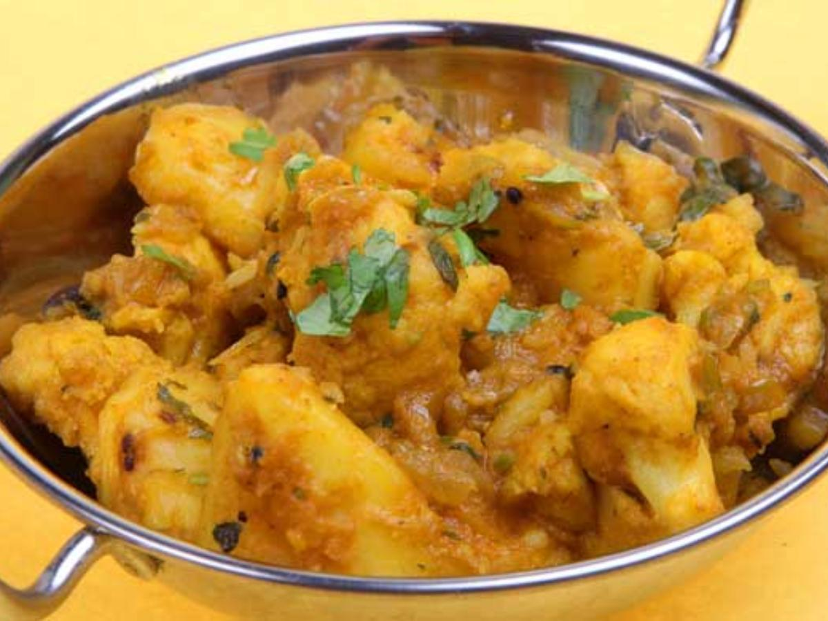 Spicy Potatoes and Cauliflower Healthy Recipe