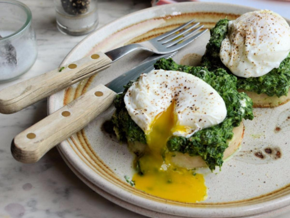 Spinach and Poached Egg Muffins Healthy Recipe