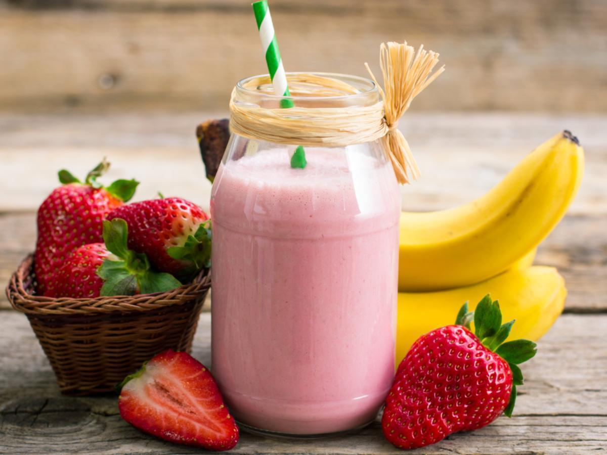 Strawberry-Banana and Cashew Milk Smoothie Healthy Recipe