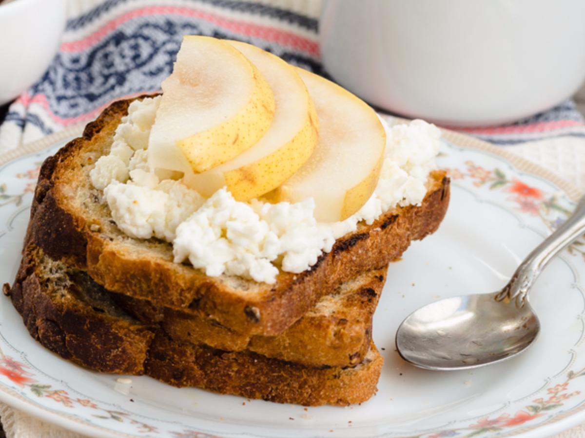 Toast with Pear, Ricotta, & Honey Healthy Recipe