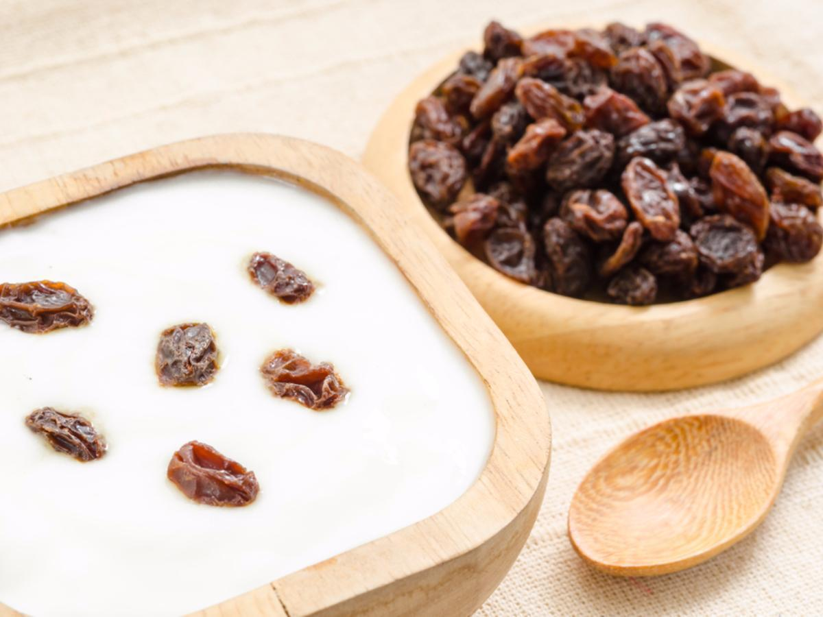 Yogurt & Raisins Healthy Recipe