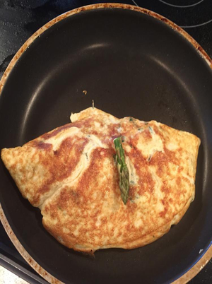 Asparagus and Cashew Omelet Healthy Recipe