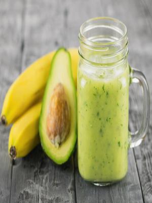 Banana, Kale, and Avocado Smoothie Healthy Recipe