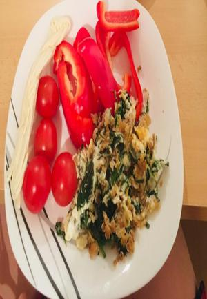 Emmental Cheese, Tomato, and Arugula Omelet Healthy Recipe