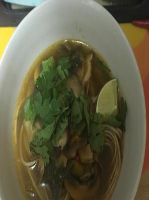 Hot 'N' Sour Mushroom & Noodle Soup Healthy Recipe