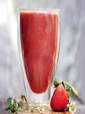 Strawberry Chamomile Smoothies Healthy Recipe
