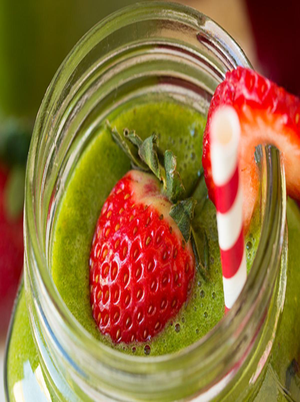Strawberry Spinach Green Smoothie Healthy Recipe