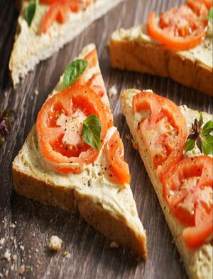Toast with Tomato and Hummus Healthy Recipe