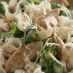 Chicken Broccoli Fettuccine Alfredo