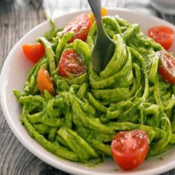 Creamy Avocado-Spinach Pesto Zoodles