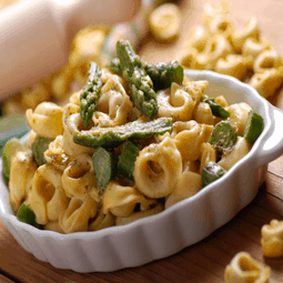 Creamy Cheese Tortellini with Asparagus