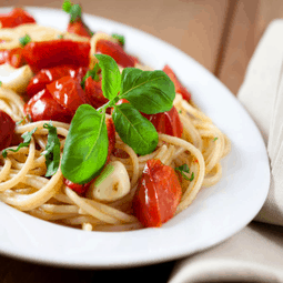 Easy Olive Oil, Tomato, and Basil Pasta